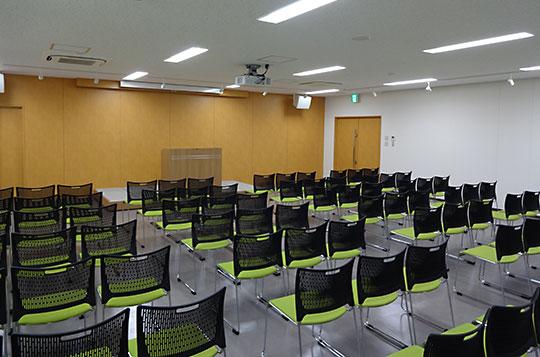 http://blog.kahoku.co.jp/ishinomaki/images/kahoku-hall01.jpg